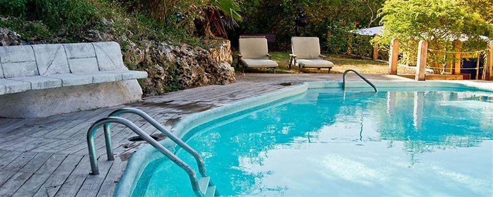 Pool Area- Altamont West Hotel